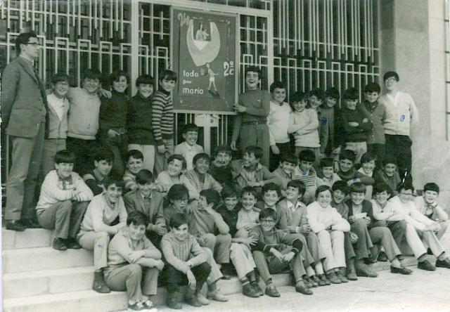 Segundo C de principios de los 70, con nuestro tutor José María Velasco