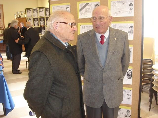 Miguel Méndez y Serafín charlando animadamente